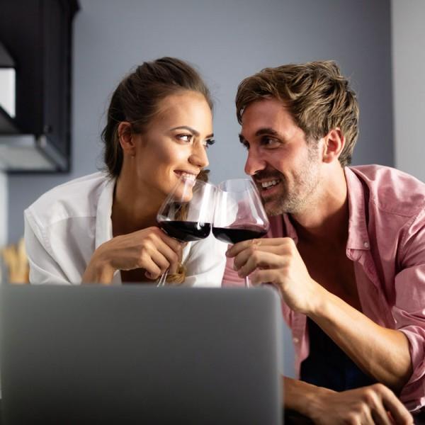 virtuelle-verlobung-feiern